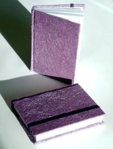 Perlenglanzviolett